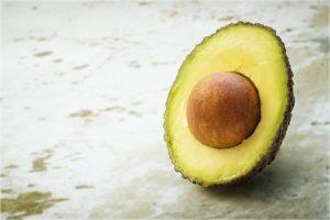 【アボカドとは、どんな野菜?果物?】歴史や栄養素などを紹介