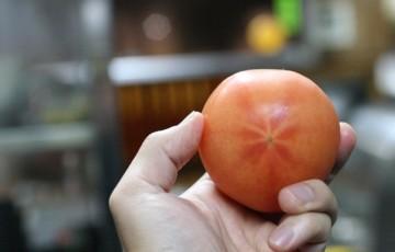 トマトの簡単な湯むき方法