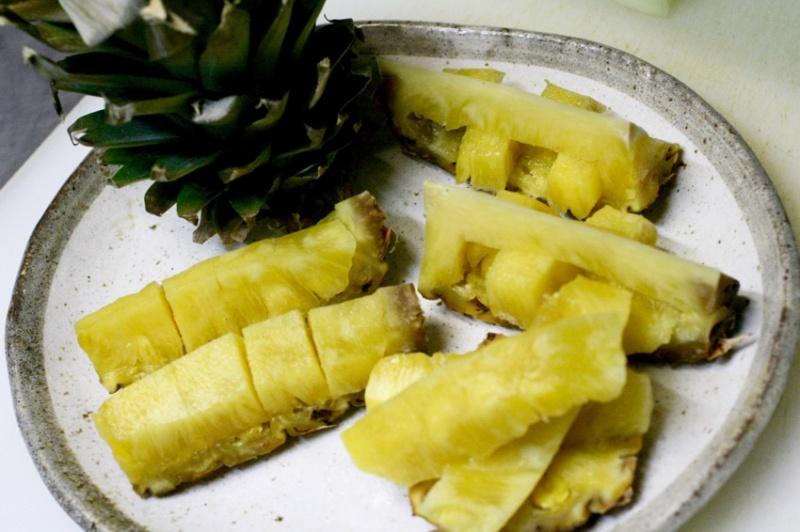 パイナップルの切り方8